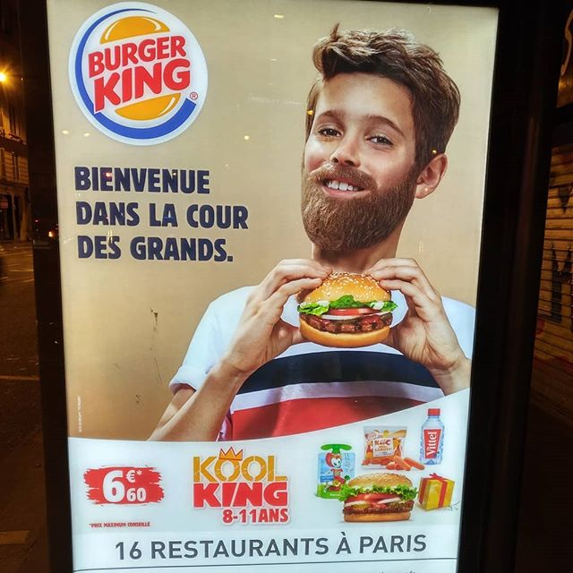 BIENVENUE DANS LA COUR DES GROS ! 🤴🤡.........#VuALaPub #publicité #burgerking #bk #whopper #big #bigking #king #roi #hipsters #hipster #beard #barbe #moustache #kid #gamin #enfant #restaurant #fastfood #igersparis #burger #hamburger #sandwich #junkfood #mcdonalds #child #fat #healthyfood #healthy #food