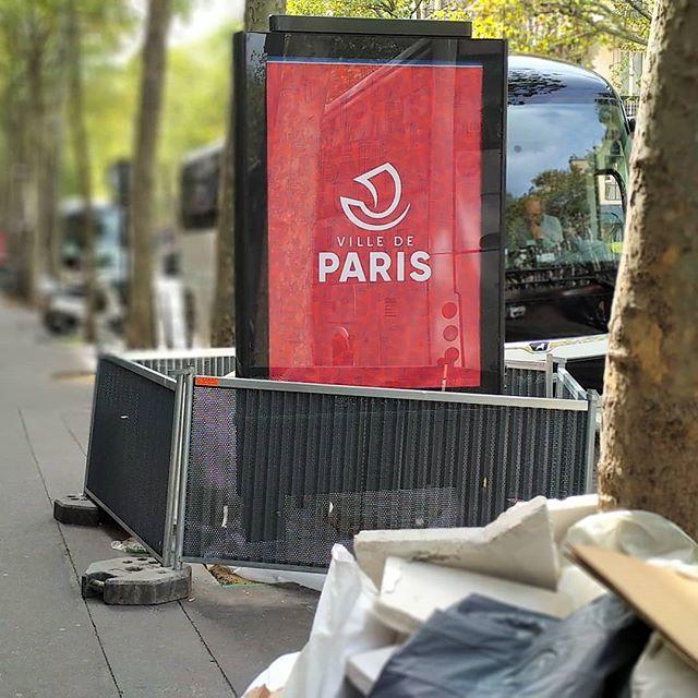 « Les habitants du quartier ne veulent pas de panneau publicitaire mais un arbre » - Le message est pourtant clair ? @annehidalgo @clearchannelfrance .........#paris #publicité #clearchannel #hidalgo #villedeparis #thisisparis #batignolles #parismonamour #architecture #streetsofparis #parisianstyle #parisianlife #pariscity #marketing #streets #ruesdeparis #ruedeparis #icicestparis #paname #pollution #publicite #ecologie #urbanisme #travaux #quartier #mairiedeparis #igersparis #igparis #ig_paris #cartepostale